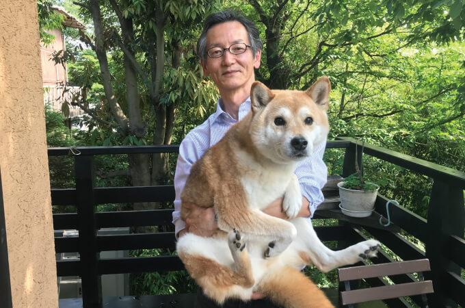 永井さんと愛犬の柴犬