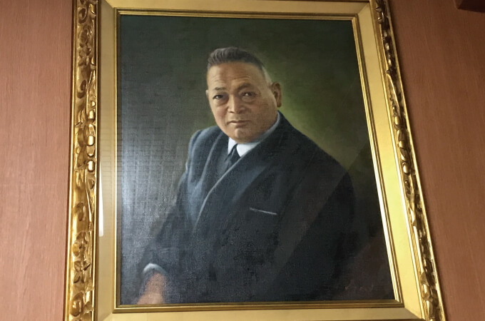 創業者の市川重太郎様の肖像画
