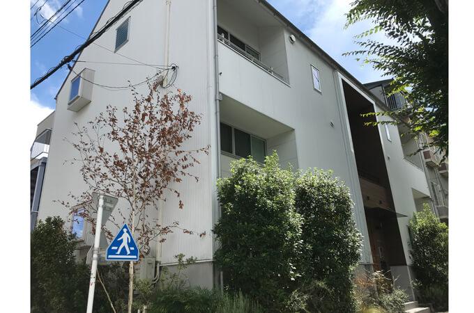 木造2階建てのマンション