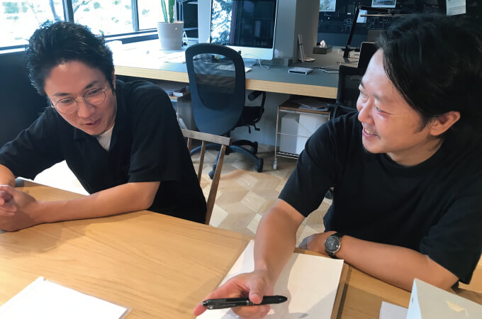 会話中の阿部さんと岩﨑さん