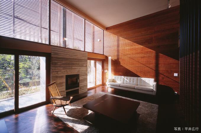 「木ルーバーの家」の内観
