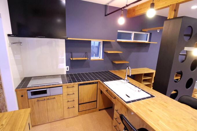 「ねこと暮らす家」キッチン