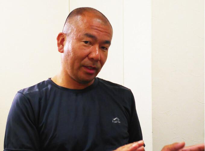 説明中の松本社長