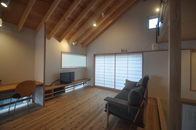 木造の家のリビング