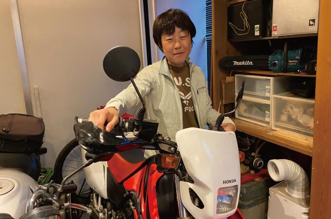 清水さんと愛用しているバイク