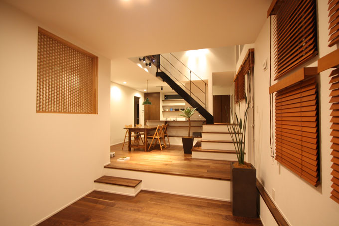 相原さんが設計されたスキップフロアのお家