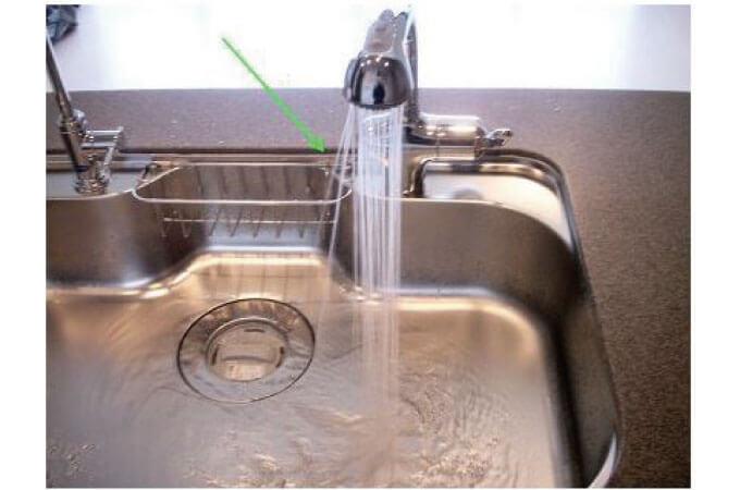 水圧が不均一な水道