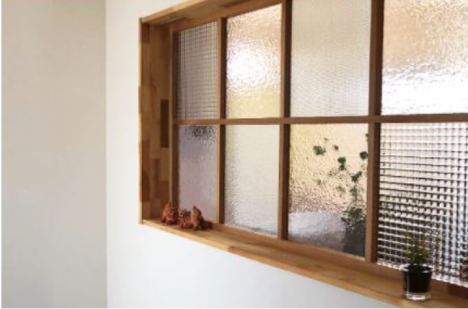 室内の窓枠