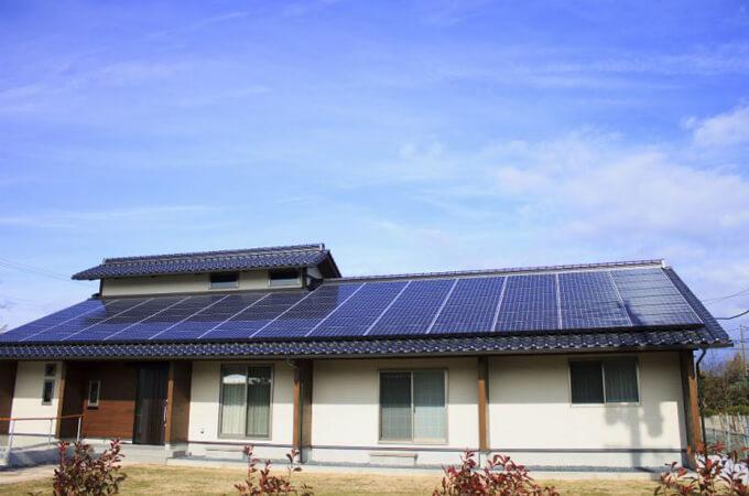 太陽光パネルと相性が良い平屋の屋根