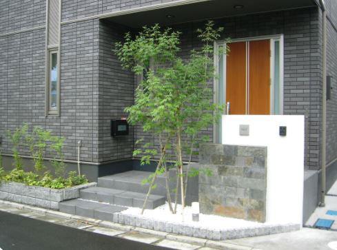 シンボルツリー 玄関前施工例