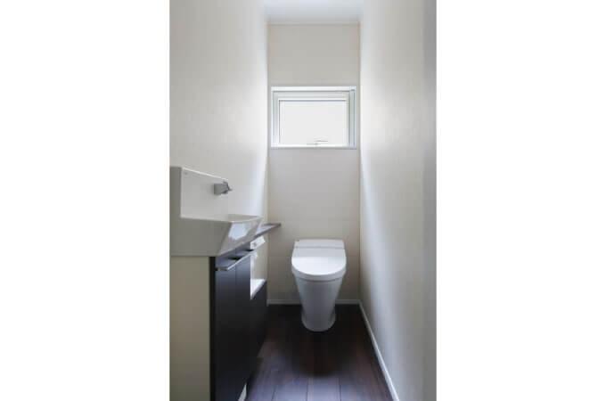 窓があるトイレの事例