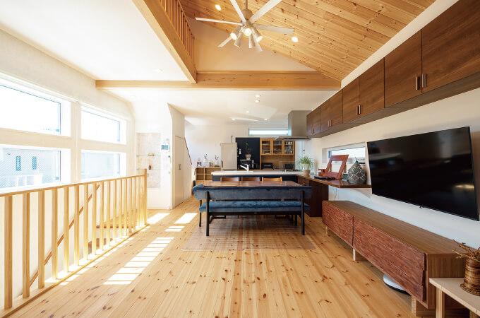 木造住宅の2階内装